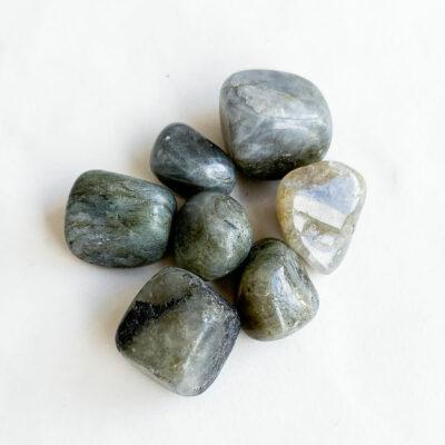 labradorite de bolso surya cristais