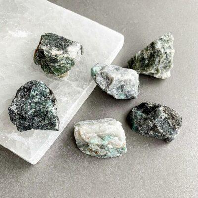 esmeralda em bruto surya cristais