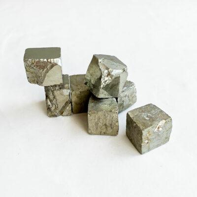 pirite cubica pequena surya cristais