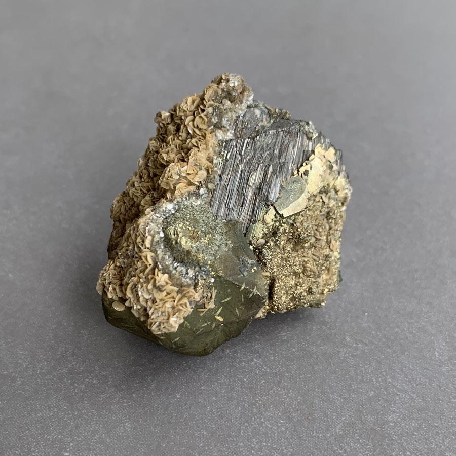 calcopirite sobre arsenopirite surya cristais