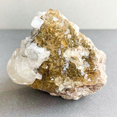 drusa de fluorite amarela com calcite surya cristais