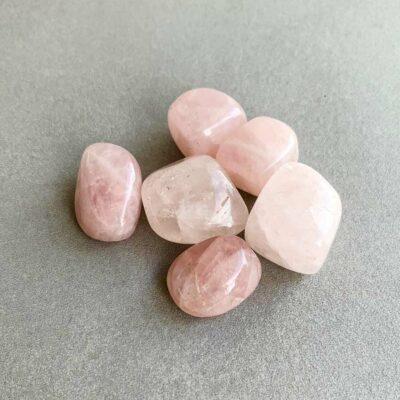 quartzo rosa rolado suria cristais