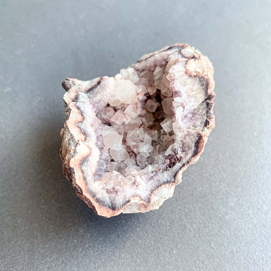 ametista rosa com calcite surya cristais