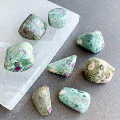 rubi na fuschisite surya cristais