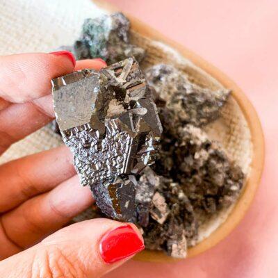 hematite em bruto surya cristais