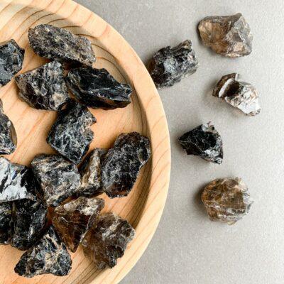 quartzo fumado em bruto de bolso surya cristais