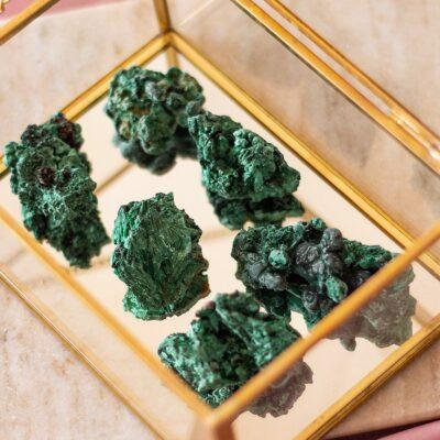 malaquite fibrosa surya cristais