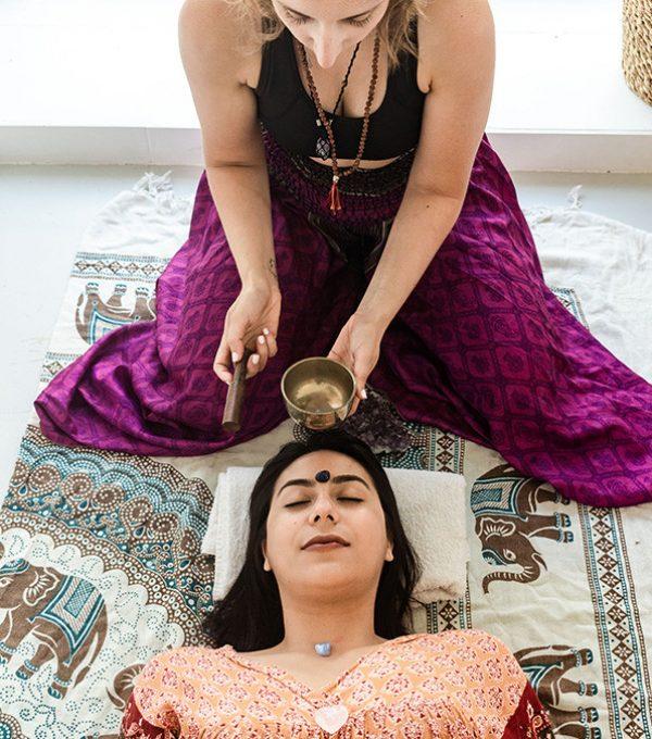 cristaloterapia e massagem de som